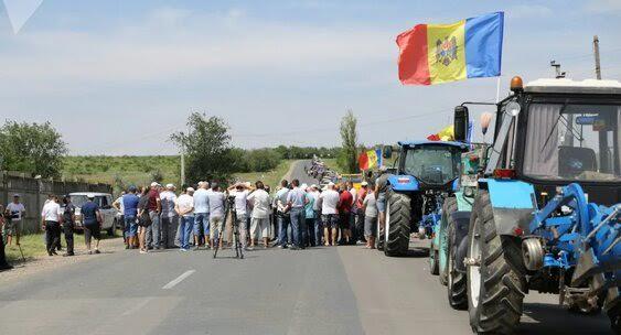 Молдавских фермеров напротест подбила оппозиция— СМИ
