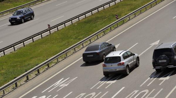 Правительство разрешит разгоняться на магистралях до 150 км/ч