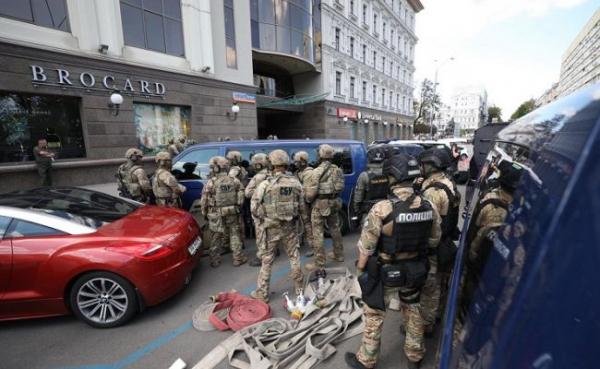 ВКиеве обезврежен террорист, захвативший отделение банка в«Леонардо»