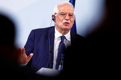 ЕС призвал Россию прозрачно расследовать ситуацию сНавальным