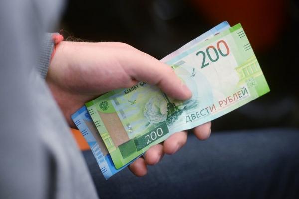 В Роспотребнадзоре рассказали о жизнеспособности коронавируса на деньгах