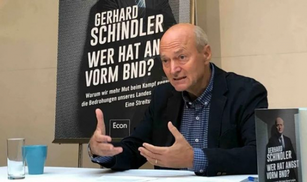 Экс-глава разведки ФРГ: Меркель изолировала Европу ирасколола Германию