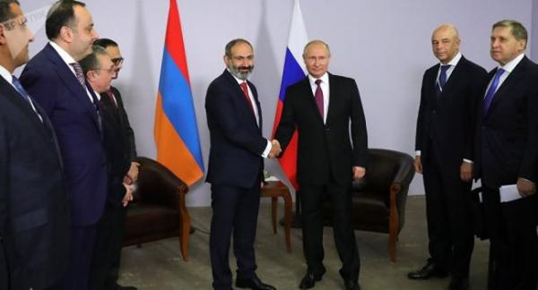 Пашинян рассказал Путину овоюющих заАзербайджан террористах
